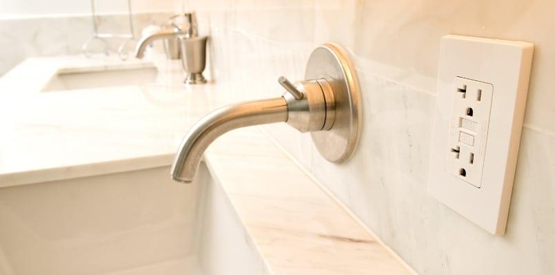 Plumbing Faucet Wall Mounted